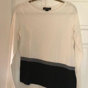 Ladies Sweater Top
